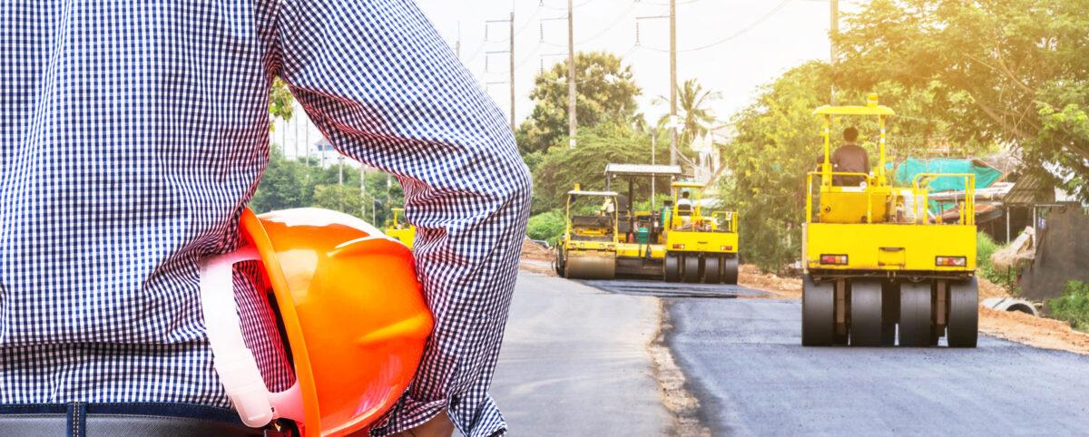 Maintenance Advisor Watches Asphalt Rollers